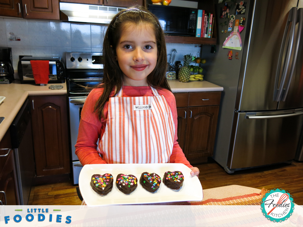 Little Foodies Chocolate Mini Heart Cakes11