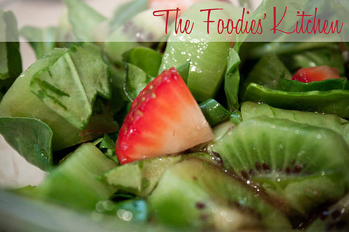 Kiwi Strawberry and Spinach Salad